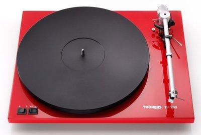 Thorens TD 203 hoogglans rood platenspeler